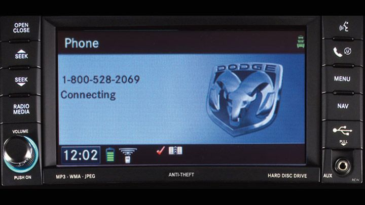 Dodge Nitro - Sistema de Manos Libres Bluetooth Uconnect Phone®